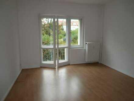 3 Zimmer 67 m² renoviert mit neuer Küche