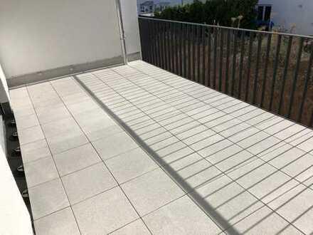 Großzügige 4 Zimmer Neubau Wohnung mit großer Terrasse