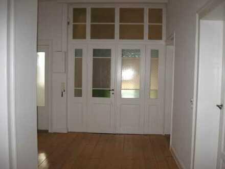 Vollständig renovierte 5-Zimmer-Wohnung mit 2 Balkonen in Bayreuth
