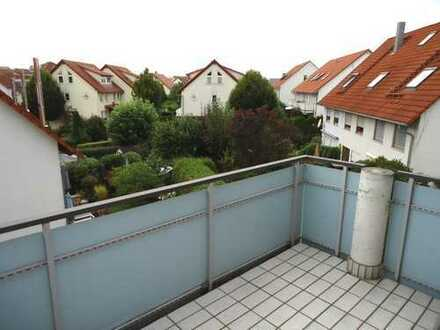 1389 – Tolle 2 Zi.-Wohnung mit EBK, Balkon und TG in super Lage in Nufringen! 700m zur S-Bahn!