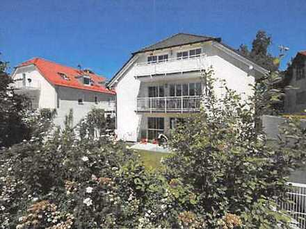 helle, geräumige Stadtvilla-Wohnung