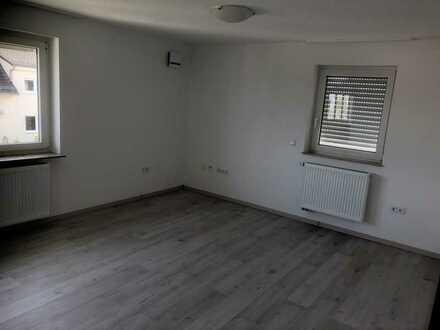 Erstbezug nach Sanierung: ansprechendes 8-Zimmer-Mehrfamilienhaus mit EBK in Bondorf