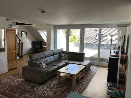 Neuwertige, lichtdurchflutete 3½-Zi.-Maisonette-Wohnung mit Dachterrasse (ausbaufähig auf 4½-Zimmer)