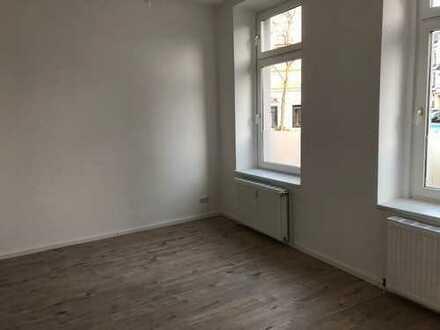 Geräumige, vollständig renovierte 1-Zimmer-EG-Wohnung in Düsseldorf Flingern Nord (1 Zi. + KüDiBa)