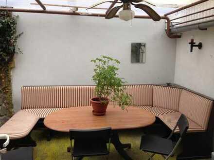 WG Zimmer in Haus mit schönem Garten - Eberstadt