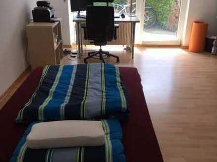 Neuwertige Wohnung mit einem Zimmer sowie Balkon und Einbauküche in Zweibrücken