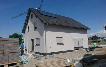 Haus zur Miete oder mit Eigenleistung und Baukindergeld für kleinere Rate kaufen!