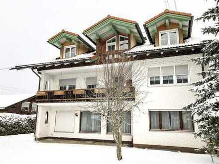 Mehrfamilienhaus mit 4 Wohneinheiten und großem Grundstück in guter Lage von Missen