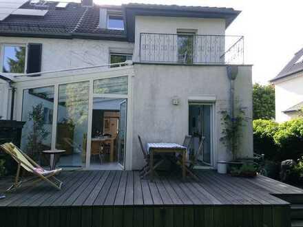 Schönes Haus mit sechs Zimmern in Leverkusen, Opladen