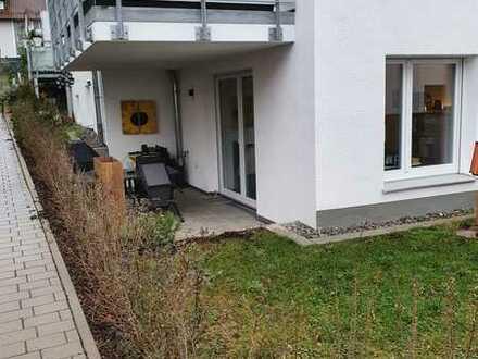 2-Zimmer-EG-Wohnung mit Einbauküche und Terrasse in S-Heumaden. Neuwertig. Zweitbezug.
