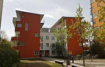 wunderschöne 3 Zi-Whg mit Balkon im Grünen