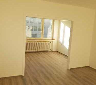 Zentrumnahe Wohnung 2 Zimmer KDB frisch renoviert, WG geeignet