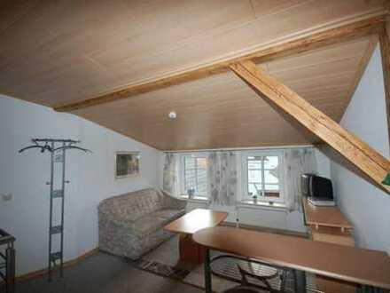 Möblierte 2-Zimmer-Maisonette-Wohnung im 2.Obergeschoss in zentrumsnaher Wohnlage in Heide, Kreis Di