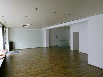 Großräumige helle Fläche 100 m²+60 m² Nebenflächfür Büro, Arztpraxis, Vekaufsfläche, Atelier etc.