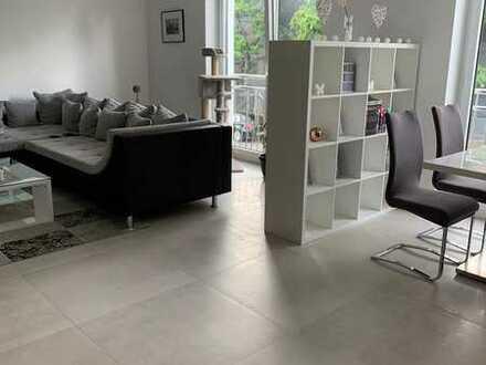 Neuwertige 2,5-Zimmer-Wohnung mit Balkon und EBK in Robert-Bosch-Straße, Kernen