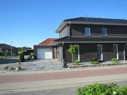 Exclusive, komfortable Neubau Doppelhaushälfte