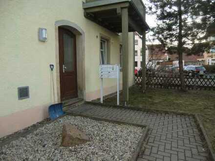 2 Zimmer-Erdgeschosswohnung nahe Markt
