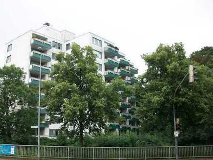 Freundliche 4-Zimmer-Wohnung in Emden, Citynähe, direkt am Kanal