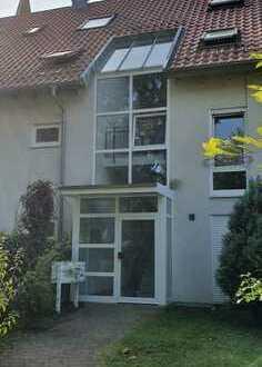 Helle, geräumige 1-Zimmer-DG-Wohnung mit EBK in Stuttgart-Plieningen