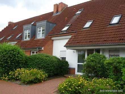 Wilkendorf, helle großzügige 3 Zimmer Maisonette mit Kamin