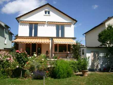 Stilvolles Haus in Rumpenheim mit großem Garten
