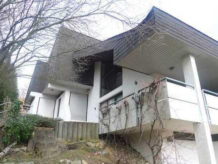 Großzügiges EFH mit Garage, Terrasse und großem Garten. Top-Lage Stromberg.
