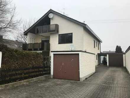 große 4-Zimmerwohnung mit Balkon und Gartennutzung in 3-Familienhaus zu vermieten