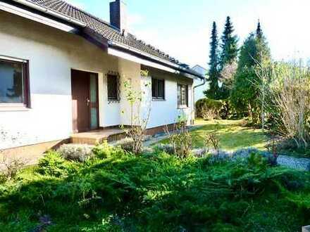 Einfamilienhaus in Traumlage mit großem Grundstück und viel Potential