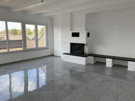 Erstbezug nach Sanierung: geräumige 3-Zimmer-Dachgeschosswohnung mit Sauna in Mönchengladbach