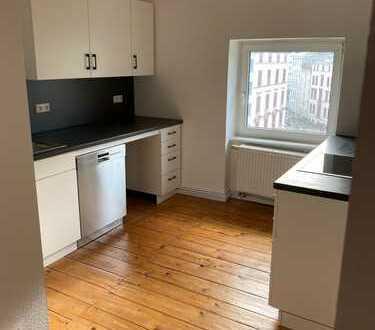 Erstbezug nach Sanierung: 2-Zimmer-Wohnung mit EBK