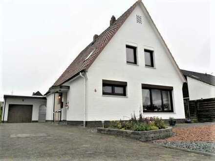 Neuer Weihnachtspreis! Frisch renoviertes, sehr schönes Einfamilienhaus mit Garage!