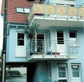 Freundliche, gepflegte 3-Zimmer-Wohnung mit Balkon in Kirchheim unter Teck, Nähe S-Bahn, 30er Zone