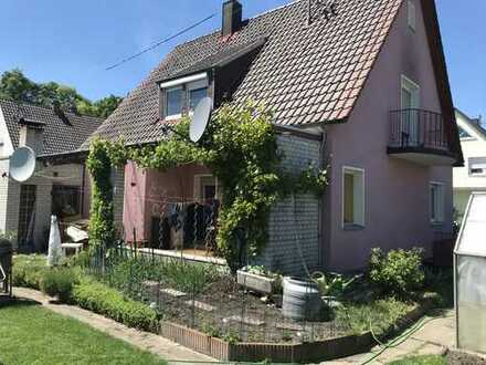 Schönes Haus mit fünf Zimmern in Augsburg, Lechhausen