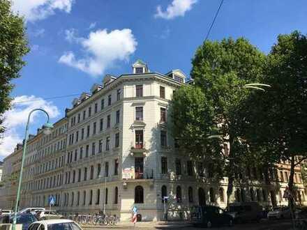 Wohnen im Waldstraßenviertel - 4-Raum-Wohnung,Küche,Wannen-Dusch-Bad