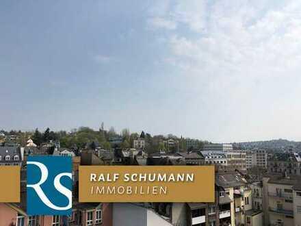 Bildschöne Altbau-Wohnung mit Balkon + herrlichem Weitblick (seitlich der Taunusstraße)