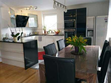Beautiful penthouse in Munich East, 110 m², 4 rooms, fully furnitured (opt.)+ 96 m² garden (opt.)