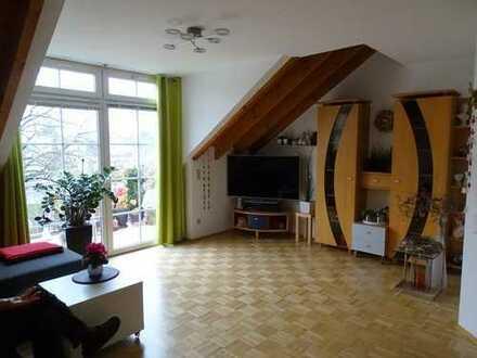 ***Ein Schmuckstück! Maisonette (2. OG u. DG) in schöner, ruhiger Lage von Mainz-Finthen!***