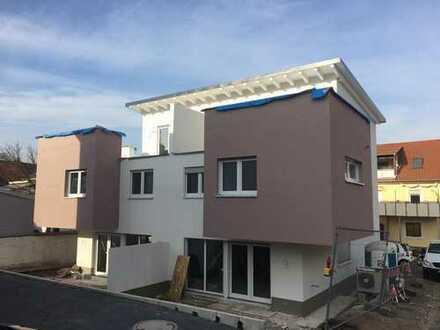 Nur noch ein Haus frei: Große, moderne Neubau-Doppelhaushälfte KfW 55 Effizienzhaus in Zeutern