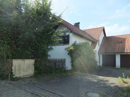 Ein/Zwei-Familienhaus plus Einlieger-Whg im Dörnröschenschlaf mit Charme in bester Wohnlage