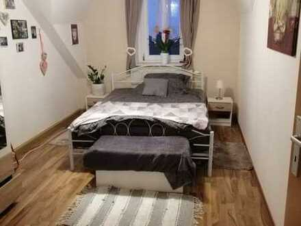 Sonnige 4 Raum - Dachgeschosswohnung + 2 Bäder