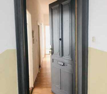 Provisionsfreie & unvermietete 2-Zimmer Altbauwohnung im Schillerkiez