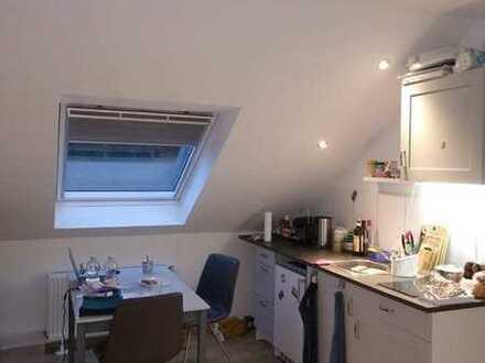 ansprechende 2-Zimmer-DG-Wohnung mit Einbauküche in Münster