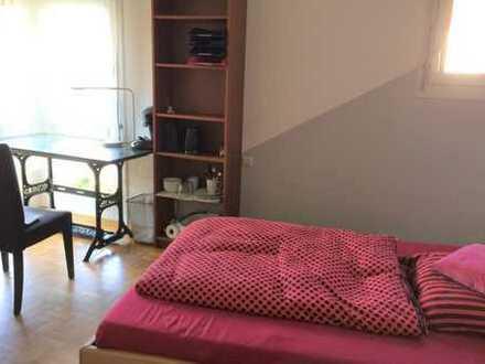 ab 1 Monat: möbliertes Zimmer mit Wlan, Waschmaschine, Bad/Wc-Mitbenützung, Kochmöglichkeit