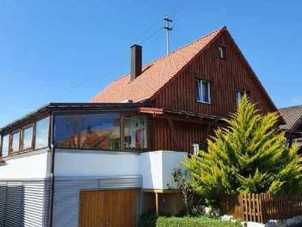 Charmantes Wohnhaus mit großem Grundstück