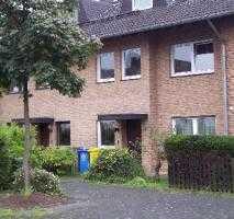 Ruhige zwei Zimmer Wohnung mit Balkon und Garage in Bonn, Brüser Berg