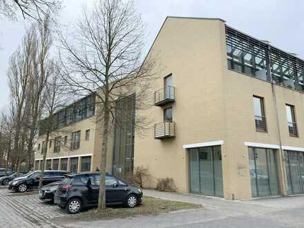 Solide Kapitalanlage! Lichtdurchflutete 2-Zimmer-ETW mit Balkon und TG-Stellplatz in Schöneiche