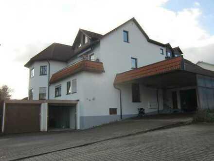 Attraktive 2 Zimmerwohnung mit großem Balkon und KFZ Abstellplatz