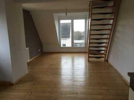 Gepflegte 4-Zimmer-Maisonettewohnung mit EBK in Solingen