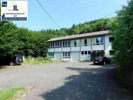 Niederalben ! Ehemaliges Schulgebäude - Wohnen und Hobby/Gewerbe auf einem Grundstück