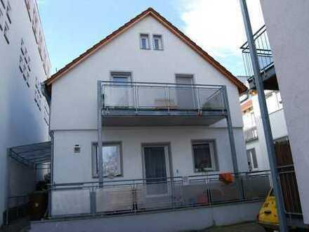 Gut geschnittenes Haus mit 8 Zimmern in Ludwigsburg